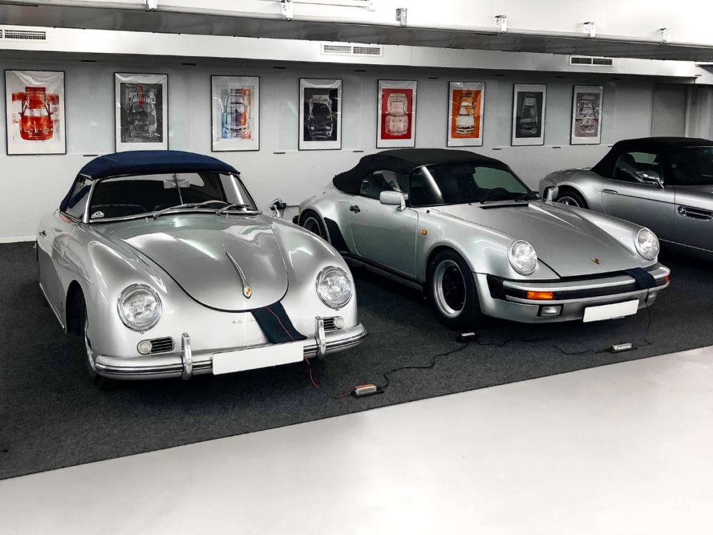 Oldtimer in Luxus Garage
